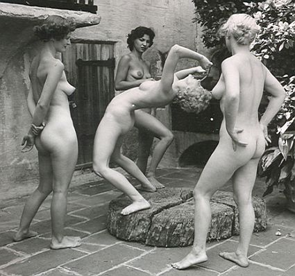vintage nudes outdoors
